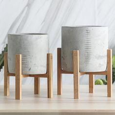 Modern Concrete Plant Pot With Wood Stand at off Retail – Staunton and Henry Concrete Plant Pots, Concrete Crafts, Concrete Planters, Diy Planters, Succulent Planters, Faux Succulents, Succulents Garden, House Plants Decor, Concrete Furniture