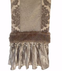 This taupe chenille damask, silk and gecko pattern table runner with faux fur and bead accents is the perfect accent piece for an elegant look! Luxury Sheets, Luxury Bedding, Christmas Table Mats, King Bedding Sets, Table Accessories, Classic Interior, Elegant Table, Modern Bohemian, Fabric Decor