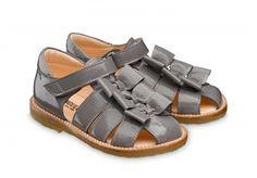 Angulus grey patent bow sandals size 20-25