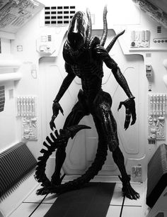 """Xenomorph from the 1979 Ridley Scott film """"Alien. Saga Alien, Alien Film, Alien Alien, Alien Art, Sci Fi Movies, Scary Movies, Horror Movies, Giger Alien, Hr Giger"""