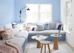 Niekoľko šikovných trikov, ako opticky zväčšiť priestor v byte - Akčné ženy Couch, Furniture, Home Decor, Settee, Decoration Home, Sofa, Room Decor, Home Furnishings, Sofas