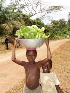 Children in Ghana. Fresh and organic food every day.