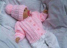 РОЗОВЫЙ КОМПЛЕКТ | вязание детям | Постила Baby Cardigan Knitting Pattern Free, Baby Knitting Patterns, Baby Patterns, Free Knitting, Baby Dolls, Knit Baby Dress, Knit Art, Baby Sweaters, Crochet Baby