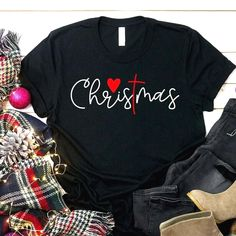 Christmas Love For Christian The Cross T Shirt - Custom Graphic Tee - Christmas Gift Idea picture Source by bestvintagegift Look t-shirt Christmas Tee Shirts, Christmas Sweaters, Christmas Clothes, Christmas Outfits, Christmas Pajamas, Look T Shirt, Shirt Style, Vinyl Shirts, Custom Shirts