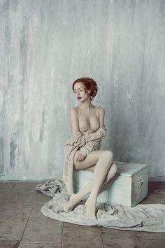 photographer: Wiktoria Szadkowska model: Jula Krajewska mua&hair: Kaya Krasińska