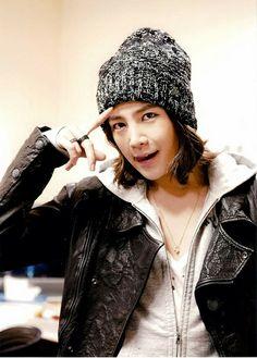 JKS  Sooooo handsome! ^_^