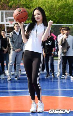 Best 10 Players female – Page 450008187765576392 – SkillOfKing. Cute Asian Girls, Beautiful Asian Girls, Apink Naeun, Pretty Asian, Sporty Girls, Looks Style, Asian Woman, Fitness Fashion, Fitness Clothing