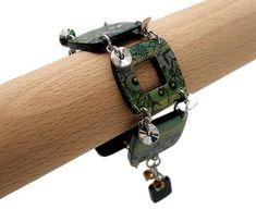 Bracelet vert et or motifs filigranes // bracelet de créateur // création française. de la boutique Chezpajope sur Etsy Motifs, Or, Creations, Boutique, Etsy, Bracelets, Leather, Jewelry, Fashion