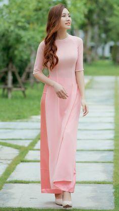 Long Dress Fashion, Indian Fashion Dresses, Dress Indian Style, Indian Designer Outfits, Ao Dai, Designer Party Wear Dresses, Kurti Designs Party Wear, Kurta Designs Women, Frack