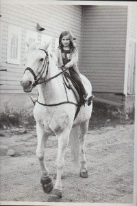 After saving Snowman from death, Harry brought him at the Knox School. After a few months of training, even kid could ride him. Then, Harry introduced him in the equestrian program at the School. Snowman Horse, Horse Facts, Breyer Horses, Happy Trails, Show Jumping, How To Show Love, Thoroughbred, Horse Riding, Four Legged