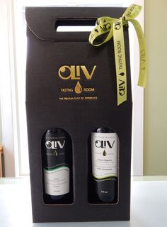 Give the gift of flavour this Christmas with your favourite OLiV pairing! #olivtastingroom #evoo #oliveoil #balsamic #food #pairing #eat #cook #healthy #vegan #natural #foodie #balsamicvinegar #gift #chef