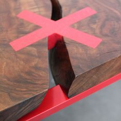 sintice:   contrasting X woodworking joinery key - monolithos