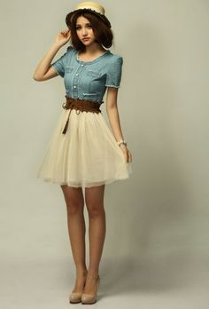 This is THE outfit you have been waiting for. It's a vintage retro number, featuring a imitation denim top, with white lacy bottom and a funky brown belt to finish it off. Denim Party Dresses, Casual Dresses, Jean Dresses, Diesel Punk, Pretty Outfits, Cute Outfits, Retro Fashion, Vintage Fashion, Vintage Outfits