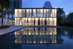 Australian Awards for International Architecture 2014 - Australian Award for Residential Architecture This complex choreography of deep shadow, residential slabs and reflecting pools presents itself…