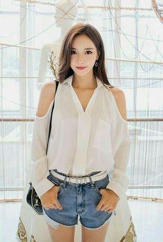 K Fashion, Asian Fashion, Fashion Women, Asian Celebrities, Wattpad, Korean Model, Japanese Fashion, Ulzzang Girl, Short Outfits