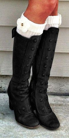 Look Vintage, Vintage Ladies, Fashion Boots, Fashion Outfits, Womens Fashion, Cute Shoes, Me Too Shoes, Robes Pin Up, Estilo Indie
