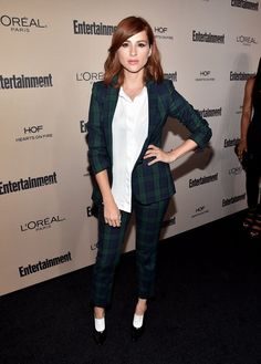 Actress Aya Cash attends the 2015 Entertainment Weekly Pre-Emmy Party at Fig & Olive Melrose Place on September 2015 in West Hollywood, California. Star Party, Paris, Well Dressed, Suits For Women, Everyday Fashion, Redheads, Style Icons, Menswear, Celebs