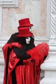 Venice Carnival Costume 2012, Carnevale di Venezia    Something similar?