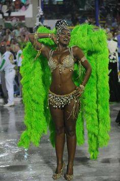 RJ: famosos caem no samba no desfile das campeãs na Sapucaí - Terra Brasil