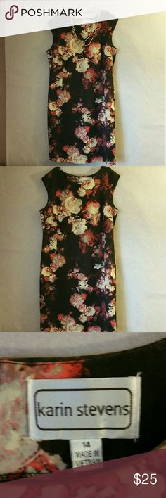 Karin Stevens floral dress Karin Stevens floral dress perfect for any ocassion. Size 14 can fit size 12. This dress is beautiful to wear with nude or black pumps. Karin Stevens  Dresses Midi