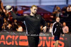 Aron Pálmarsson 25 10 15 CL PSG Veszprem Psg, Sports, Fashion, Handball, Hs Sports, Moda, Fashion Styles, Sport, Fashion Illustrations