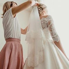 The day is finally here--it's your wedding day. But wait, before you put on your dress, here are six things experts say you should do, on SHEfinds.