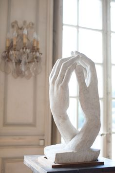 Passion at Musee Rodin, Paris! Cream Aesthetic, Angel Aesthetic, Brown Aesthetic, Aesthetic Art, Aesthetic Pictures, Greek Statues, Aesthetic Painting, Greek Art, Renaissance Art