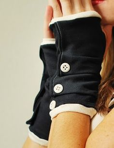 Dalliance Gloves sewing e-pattern fingerless от prettyditty Diy Clothing, Pdf Sewing Patterns, Mode Style, Hand Warmers, Fingerless Gloves, Wool Gloves, Fashion Boutique, Stylish, How To Wear