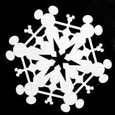 Mickey Mouse Snowflake Cut File More Más Diy Christmas Snowflakes, Disney Christmas Decorations, Mickey Mouse Christmas, Paper Snowflakes, Christmas Fun, Xmas, Minnie Mouse, Disney Diy, Disney Crafts