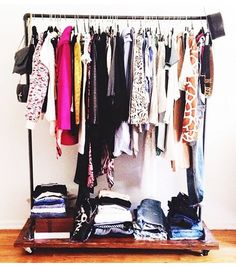 Your Guide To Editing Your Closet #closetedit #closetcleanout