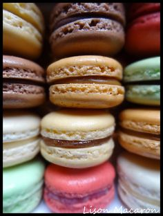 Lison Macaron: Trucs et Astuces Macarons, Macaron Cookies, Sweet Desserts, Dessert Recipes, French Patisserie, Sweet And Salty, Sweet Sweet, Queso, Yummy Cakes