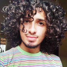 ❤ novo celular vida e fotos novas . #cachos #cachosestilosos #vivacacheada #cachosmania #cachosbra Bandana Hairstyles, Curled Hairstyles, Men's Hairstyle, Haircuts For Long Hair, Haircuts For Men, Medium Hair Styles, Short Hair Styles, Curly Hair Tutorial, Really Long Hair