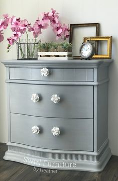 Little Lamb Fusion Mineral Painted Chest – Swirl Furniture LLC Gray Painted Furniture, Painted Chest, Chalk Paint Furniture, Unique Furniture, Distressed Furniture, Outdoor Furniture, Refinished Furniture, Furniture Hardware, Upcycled Furniture