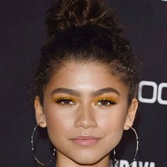 @zendaya eyes were sparkling at the Block Party in LA. I @sarahbarnsey tried out the @toofaced Chocolate Gold Palette and the @toofaced Pure Gold Pigment for a glittery inspired look. Perfect for celebrating the fact that its Friday  #celebritymakeup #zendaya #goldmakeup via MARIE CLAIRE UK MAGAZINE official Instagram - #Beauty and #Fashion Inspiration - Beautiful #Dresses and #Shoes - Celebrities and Pop Culture - Latest Sales and Style News - Designer Handbags and Accessories…