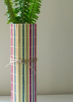 homework: a creative blog: Upcycling: bamboo placemat vase