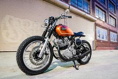 With the birth of the Cafe Racer revival he's the man who put the unlikely Yamaha Virago on the map. With an endless run of craftsman like customs to his name… Yamaha Fz 07, Yamaha Virago, Yamaha Motorcycles, Scrambler Motorcycle, Cafe Racer Honda, Cafe Racer Build, Moto Street Tracker, Gear Drive, Flat Tracker