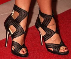 Favorite Rashida Jones Shoe Moments — Which One Is Your Favorite?