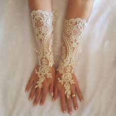 Lungo avorio o champagne oro nozze guanti gratis di GlovesByJana