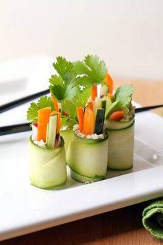 depois da escola idéias lanche Raw Zucchini Rolls do sushi