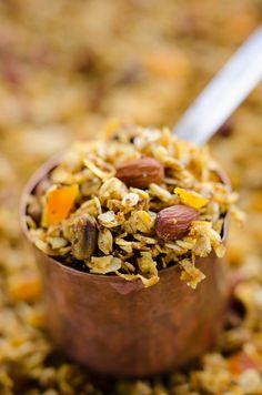 Pumpkin Coconut Granola Recipe Healthy Homemade Snacks Recipes, Snack Recipes, Pumpkin Puree, Pumpkin Spice, Granola, Breakfast Recipes, Coconut, Food, Chill