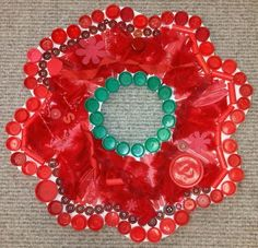 Our Beautiful Stuff Poppy Wreath for Remembrance Day. Remembrance Day Activities, Remembrance Sunday, Remembrance Poppy, Bottle Art, Bottle Crafts, Reggio Children, Poppy Wreath, Poppy Craft, School Themes