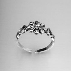 Sterling Silver Adjustable Flower and Hearts Toe Ring