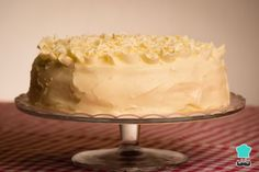 Celebrate a special anniversary with Rachel Allen& elegant white cake topped with chocolate ganache White Chocolate Buttercream, White Chocolate Cake, White Chocolate Macadamia, Chocolate Cream Cheese, How To Make Chocolate, Chocolate Ganache, Baking Recipes, Cake Recipes, Snack Recipes