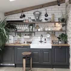 💚Kitchen Inspo Week💚⁣ ⁣ This morning's kitchen belongs to my newest Insta pal the gorgeous 💚⁣ ⁣ Jade was recently shortlisted… Home Decor Kitchen, Country Kitchen, Kitchen Interior, New Kitchen, Home Kitchens, Parisian Kitchen, Kitchen Corner, Kitchen Ideas, Industrial Kitchen Design