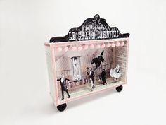 Shadow box diorama frame Le Grand Carnival van ILaBoom op Etsy, $60.00