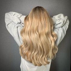 Foilyage hair sandblonde butterblonde. kapsalon haarvisie in wateringen 🎨 Long Hair Styles, Beauty, Long Hairstyle, Long Haircuts, Long Hair Cuts, Beauty Illustration, Long Hairstyles, Long Hair Dos