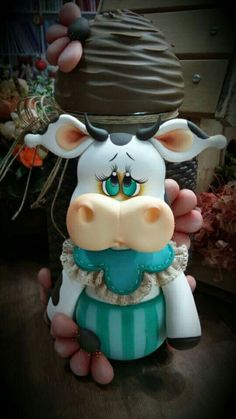 Cozinha Clay Crafts, Diy And Crafts, Clay Fairy House, Cow Decor, Clay Jar, Gingerbread Ornaments, Clay Fairies, Polymer Clay Pendant, Pasta Flexible