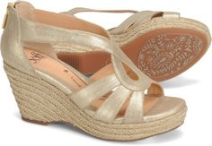 Have these: Sofft Mena in champagne.  These can be worn all day or all evening very comfortably.