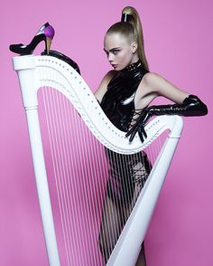 Mistureba Chic: Karl Lagerfeld e Cara Delevigne para Melissa