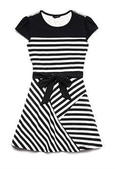 Sweet Stripes Skater Dress (Kids) from Forever Saved to Eu Quero! Shop more products from Forever 21 on Wanelo. Tween Fashion, Fashion 101, Girl Fashion, Fashion Outfits, Fashion Online, Dresses For Tweens, Girls Dresses, Teenager Outfits, Kids Outfits
